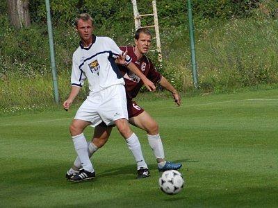 Michal Kocourek (vlevo) se v přípravě zatím brankově neprosadil. Bude se mu dařit v sobotu v Poháru ČMFS?