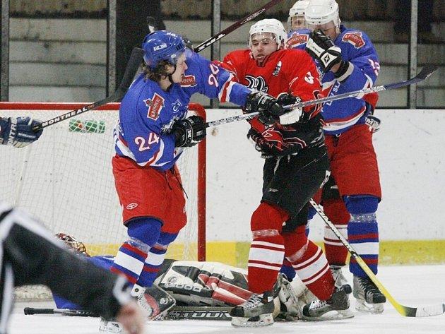 Z utkání druhé hokejové ligy Kolín - Slaný (7:6).