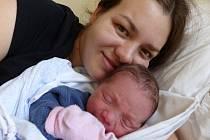 Tomáš Sicha se narodil 18. března 2021 v kolínské porodnici, vážil 3170 g a měřil 50 cm. Ve Velkém Oseku se z něj těší sourozenci Lukáš (7), Eliška (6) a rodiče Lucie a Jiří.