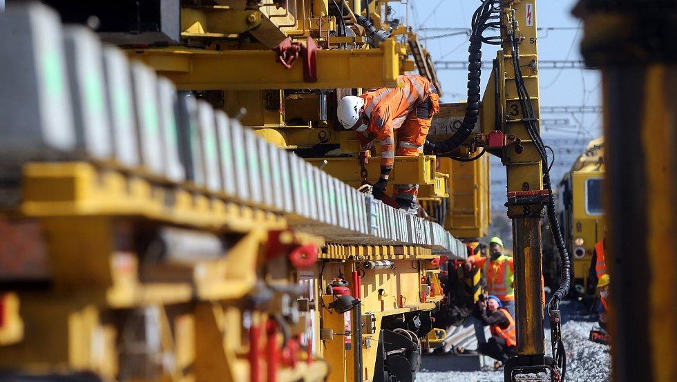 Stavba vysokorychlostní trati. Ilustrační foto.