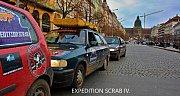 V rámci závodu si dvojice z Kolína pořídila vůz za 3000 korun a s ním objela republiku.