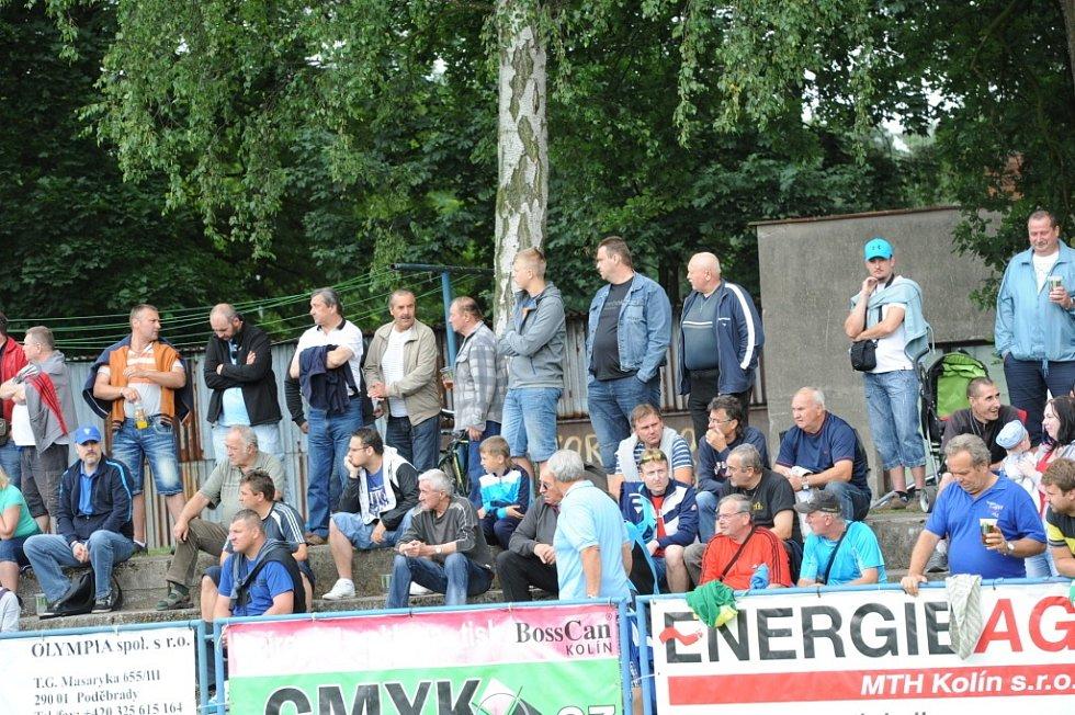 Z utkání FK Kolín - Horní Měcholupy (2:0).