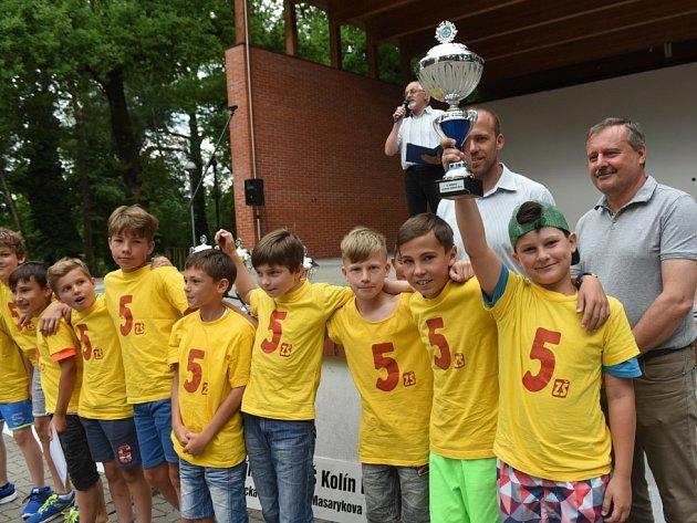 Kolínské sportovní dny ZŠ 2017 jsou minulostí. V amfiteátru Kmochova ostrova proběhlo slavnostní vyhlášení výsledků.