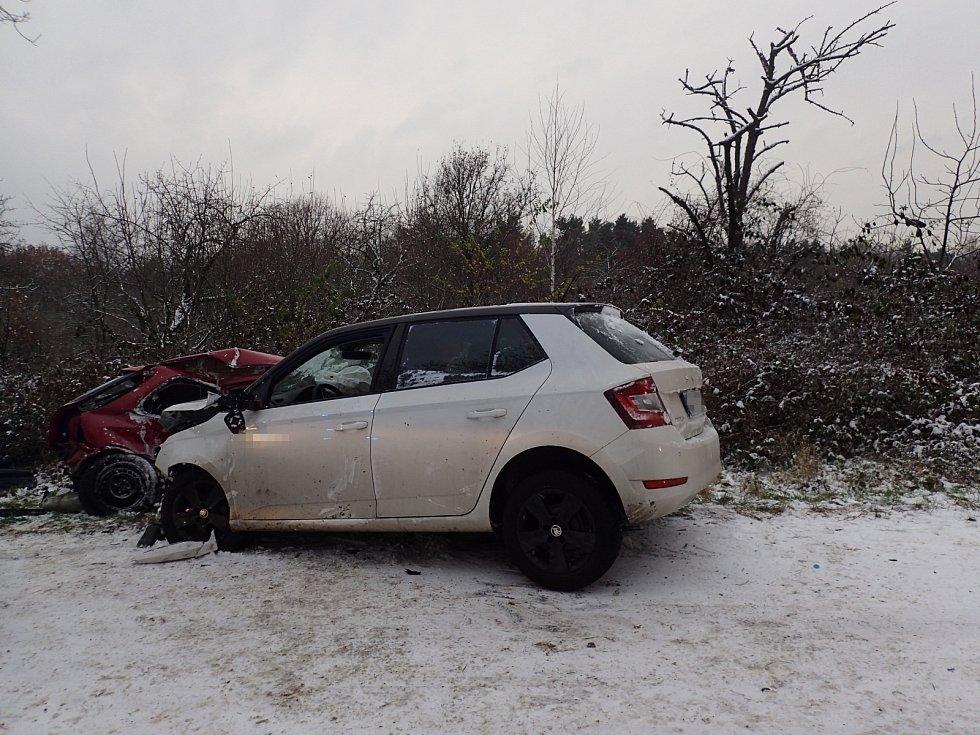 Tragická dopravní nehoda nedaleko Kostelce nad Černými lesy ve čtvrtek 3. prosince 2020.