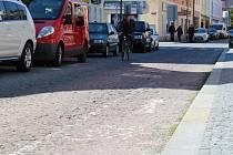 Situace v Pražské ulici v Kolíně, úsek mezi Karlovým náměstím a pekařstvím