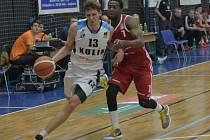 Z utkání BC Geosan Kolín - Svitavy (84:58).