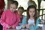 Děti nejen tvořily, užívaly si také hraček, které jim byly k dispozici