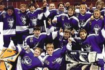 Mladí kolínští hokejisté mají za sebou výbornou sezonu. Tu završili finálovým turnajem v Brně, kde v konkurenci zvučných klubů obsadili konečnou osmou příčku.