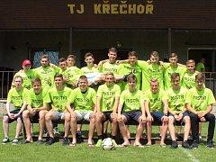 Z utkání OP dorostu Křečhoř - Krakovany (7:2). Po zápase slavili domácí hráči titul přeborníka okresu.