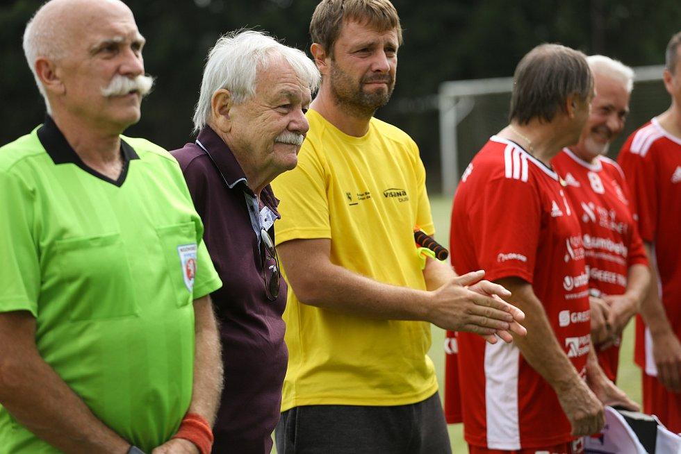 Z exhibice týmu Amfora Praha v rámci slavnostního otevření zrekonstruovaných fotbalových kabin v Doubravčicích.
