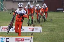 Jezdci kolínské stáje Remerx - Merida - Team ladili formu na domácí trati v Borkách.