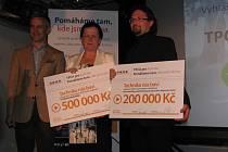 Slavnostní předávání šeků z grantového programu TPCA pro Kolínsko, 13. května 2015