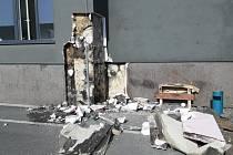 Zahoření zateplení budovy v Říčanech.
