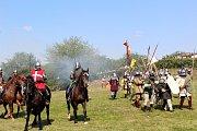 Konala se rekonstrukce historické bitvy.