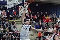 Z utkání BC Kolín - Nový Jičín (83:99).