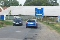 Silnice z Úval do Škvorce se kvůli opravě uzavře