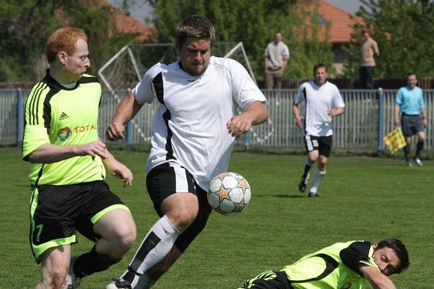 Z fotbalového utkání I.A třídy Brandýs - Kouřim (5:0)