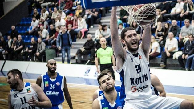 Z utkání BC Geosan Kolín - Ostrava (101:65).