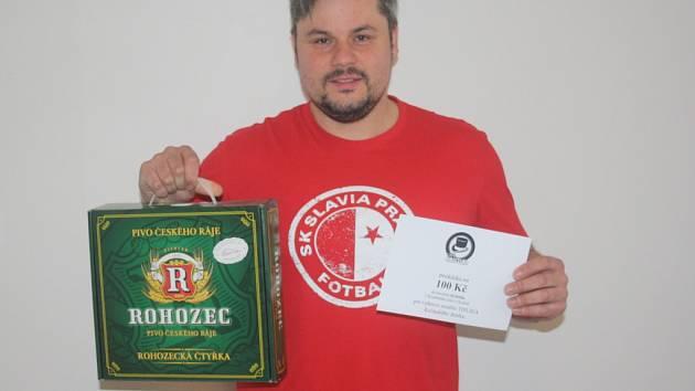Jiří Adame mladší z Českého Brodu získal karton piv značky Rohozec a poukázku v hodnotě 100,-Kč do kolínské kavárny Kristián.