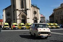 Slavnostní předávání nových sanitních vozů v Kladně.