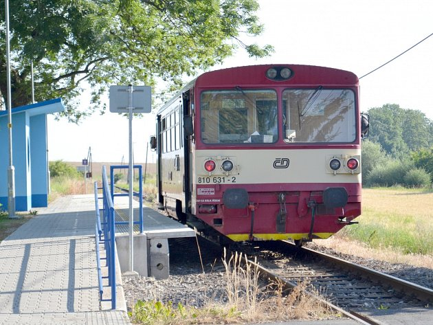 Vlak jezdí pouze z Peček do Radimi a zpět