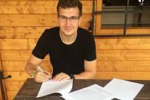 BASKETBALISTA Lukáš Rovenský je čerstvou posilou kolínského mužstva pro nadcházející sezonu