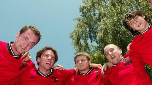 Házenkáři Kolína potvrdili své výsostné postavení v soutěži a nad druhým celkem tabulky vyhráli o tři body, přestože o přestávce prohrávali o gól.