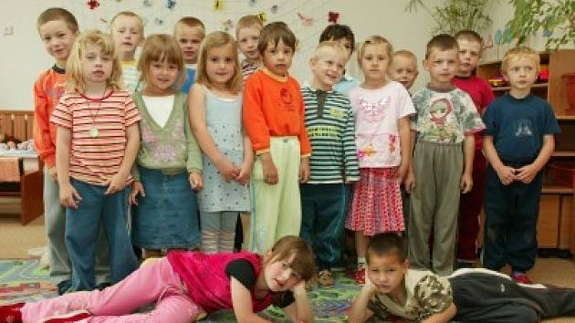 Děti z mateřské školy ve Stříbrné Skalici.