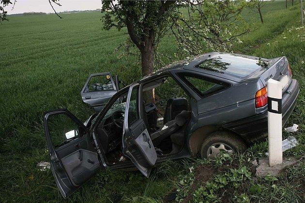 Nehoda na I/12 poblíž odbočky na Přistoupim, 12.5.2009