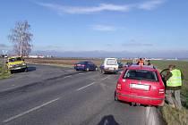 Srážka tří aut u odbočky na Pašinku, 9.11.2010