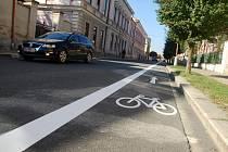 Nový pruh pro cyklisty vznikl v českobrodské Tyršově ulici