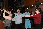 Ples kolínských hokejistů Modrých kozlů a jejich fanoušků, který si už léta říká ples Nosatých