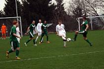 Z utkání Jíloviště - Velim (3:0).