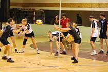 První zápas v Třeboni odehráli kolínští korfbalisté proti Wroclawi. Nakonec ho vyhráli o deset košů.