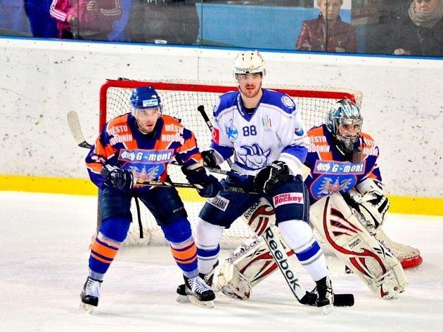 Z utkání semifinále play off II.NHL Hodonín - Kolín (3:4).