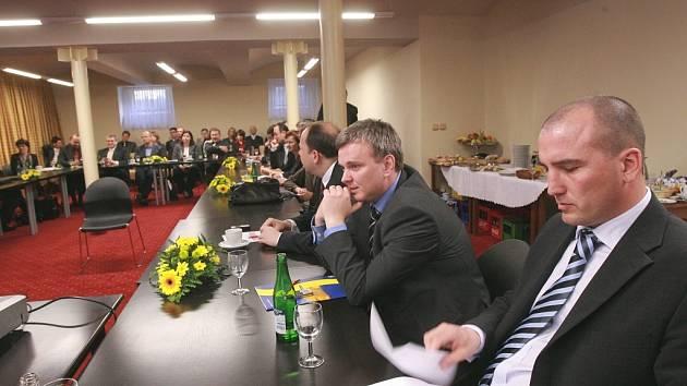 Odborná konference pořádaná Oblastní nemocnicí v Kolíně začala ve čtvrtek v Ratboři. Sjelo se sem přes padesát manažerů zdravotnických zařízení z celé republiky.