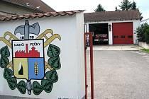 Nové hasičská zbrojnice - vjezd.