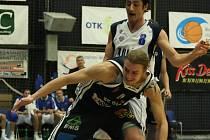 Z utkání BC Kolín - Děčín.