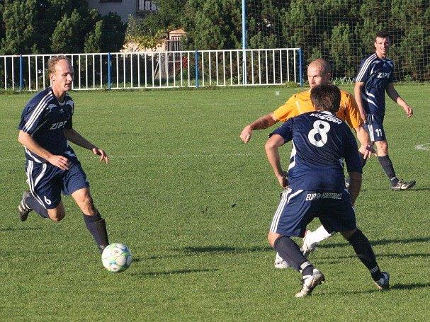 Z utkání Býchory - Kouřim (0:0).