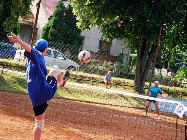 Hráčky Českého Brodu měly pěkně nabitou sobotu. Během ní odehrály dva zápasy.