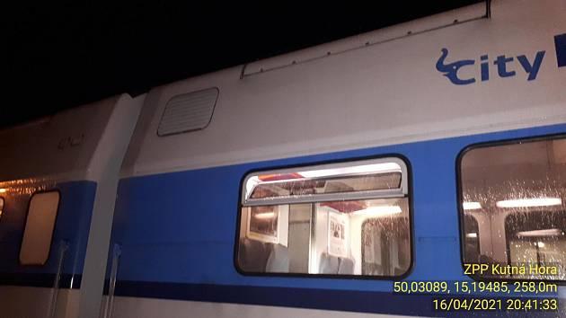 Požár vlaku v Kolíně.