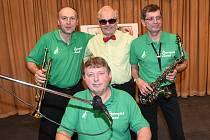 Poprvé si pódium kolínské Zámecké vyzkoušeli muzikanti kapely Peprmint Band ze Sadské.