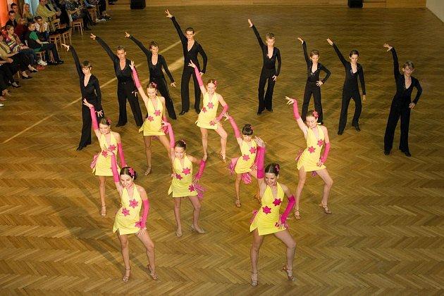 Taneční skupina CrossDance Kolín.