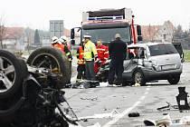 Nehoda na křižovatce Veltruby - Velký Osek