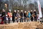 Zahájení stavby sportovní haly v kolínských Borkách.