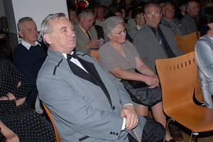 Petr Stříška oslavil narozeniny hudbou ve Starých lázních.