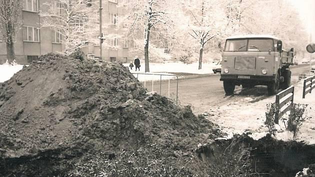 Havárie vodovodu v Benešově ulici v Kolíně - 14. února 1996.