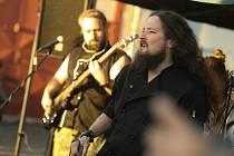 Garage Fest se pořádal na kolínské Cihelně a nabídl bohatý program plný hudby.