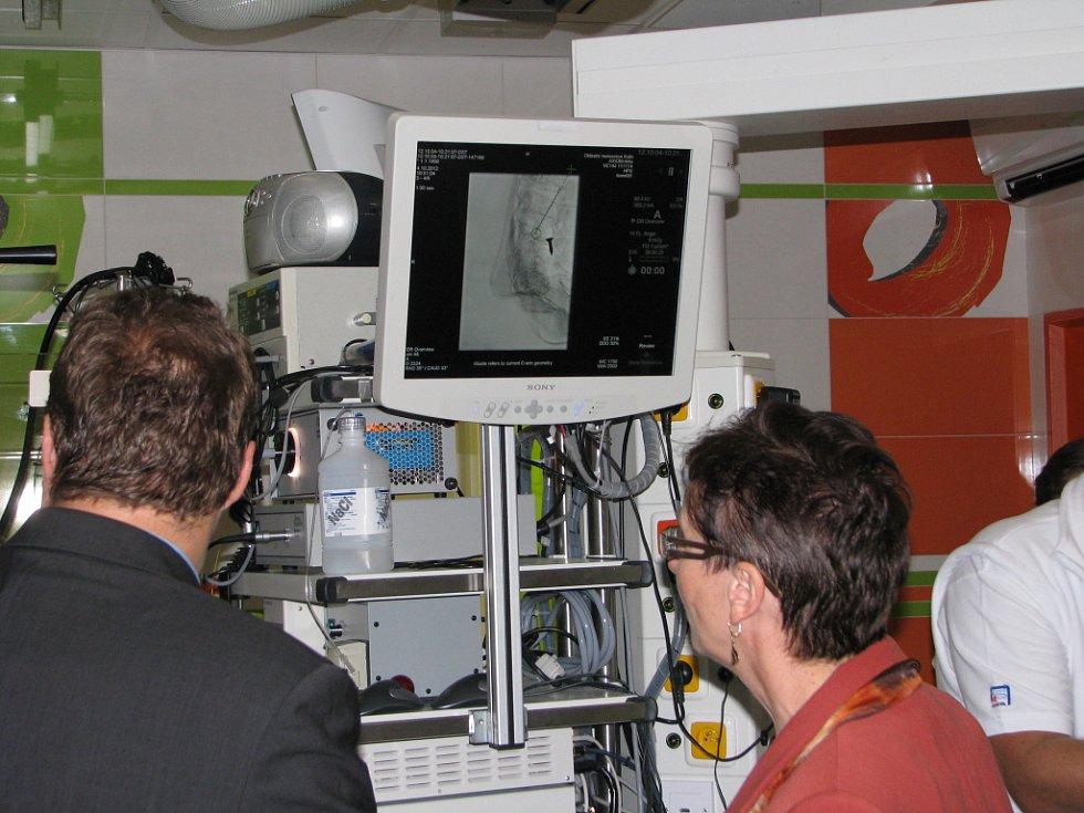 Z otvírání nového unikátního miniinvazivního pracoviště Oblastní nemocnice Kolín