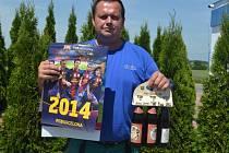 Karel Lubrt vyhrál karton piv značky Rohozec, sázenku do sázkové kanceláře Chance a také kalendář fotbalového klubu FC Barcelona.